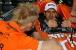 图文-F1欧洲站周四即景温克霍克适应赛车座椅