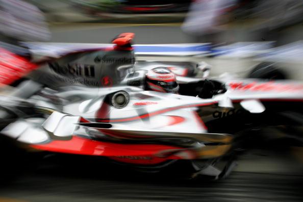图文-F1欧洲站第二次练习赛阿隆索刮起银色风暴