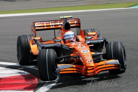图文-F1欧洲站第二次练习世爵车队新手温克霍克