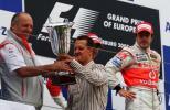 图文-F1欧洲站阿隆索夺冠舒马赫颁发制造商冠军