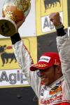 图文-F1匈牙利大奖赛正赛汉密尔顿庆祝夺冠