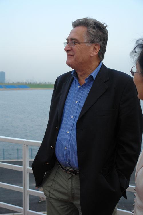 图文-F1摩托艇世锦赛深圳站尼克鲁参观南山后海内湾公园(8)