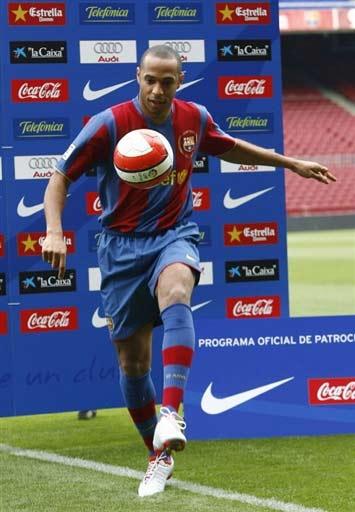 巴塞罗那官方宣布亨利加盟4年合约授予传奇号码