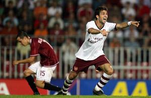 冠军杯-阿森纳客场2-0克劲敌塞维利亚不来梅告捷