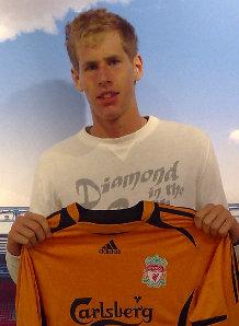 利物浦官方宣布签下又一新援17岁新秀实现红军之梦