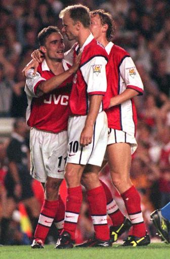 英超15年精华之97-98赛季:一个人令阿森纳崛起