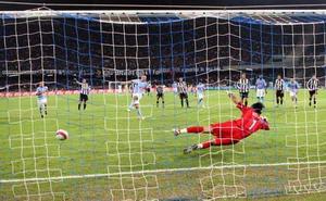 意甲-皮耶罗拔头筹尤文两遭点球误判1-3那不勒斯