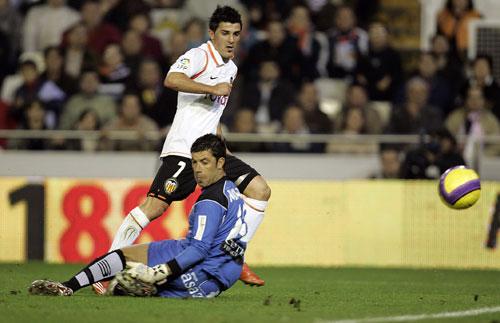 西甲-比利亚2球埃尔格拉建功瓦伦西亚3-0完胜弱旅
