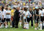 图文-巴西队第8次夺得美洲杯冠军巴西莱安慰队员
