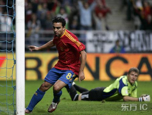 图文-[欧预赛]西班牙vs拉脱维亚哈维门前包抄建功