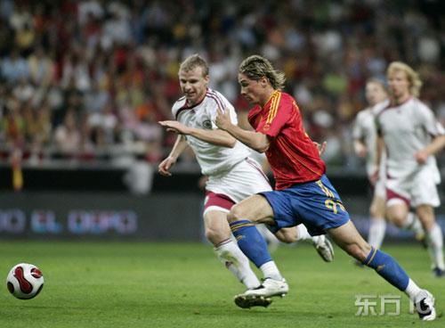 图文-[欧预赛]西班牙vs拉脱维亚托雷斯健步如飞