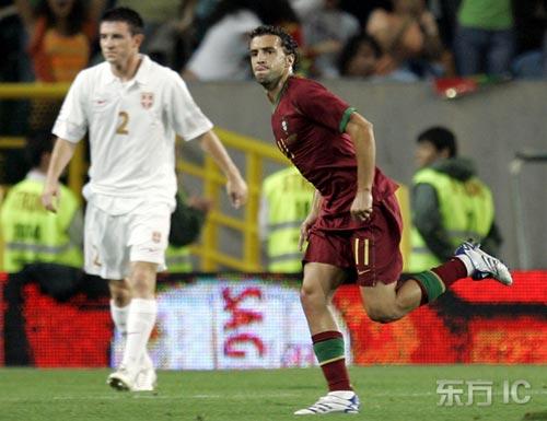 图文-[欧预赛]葡萄牙1-1塞尔维亚西芒破门得意洋洋