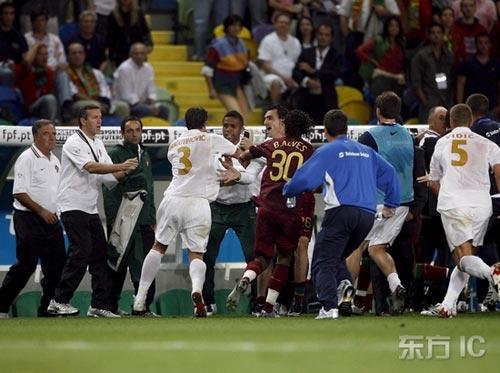 图文-[欧预赛]葡萄牙1-1塞尔维亚德拉古不依不饶