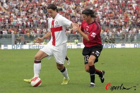 图文-[意甲]利沃诺2-2国际米兰伊布表现神勇