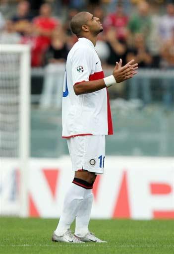 图文-[意甲]利沃诺2-2国际米兰阿德在反思着什么