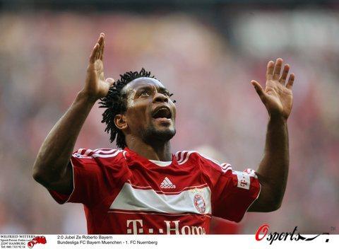 图文-[德甲]拜仁慕尼黑3-0纽伦堡泽罗伯托庆祝进球