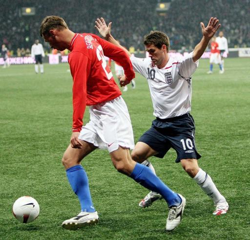 图文-[欧预赛]俄罗斯vs英格兰欧文要投降了?