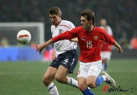 图文-[欧预赛]俄罗斯vs英格兰杰拉德不看球看什么