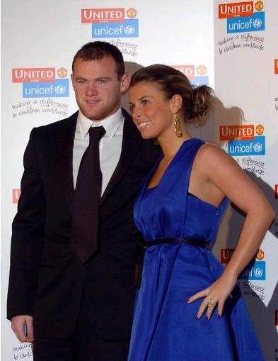 图文-曼联球星出席慈善晚会鲁尼和未婚妻亮相