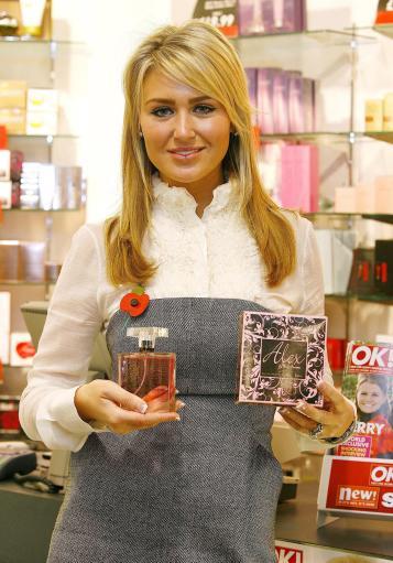 图文-杰拉德妻子在利物浦卖香水我靠这个俘虏史蒂文