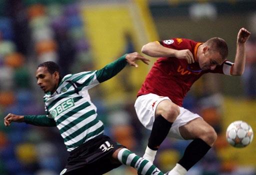 图文-[冠军杯]里斯本竞技VS罗马争夺没有胜利者