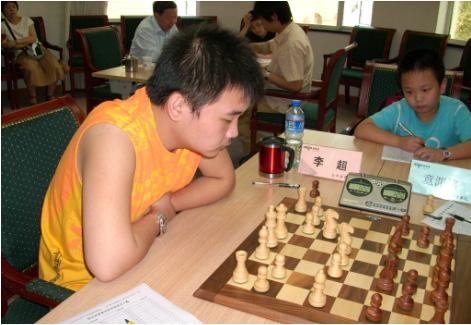 图文-国象联赛第12轮北京胜青岛李超比赛很投入