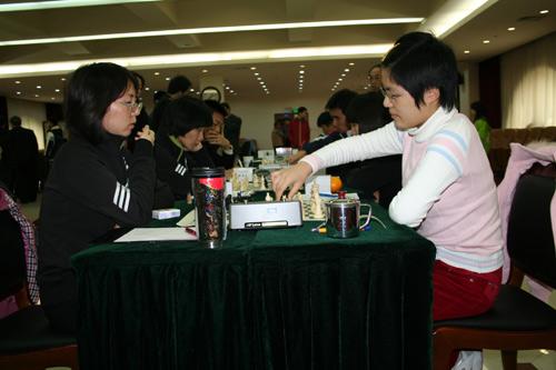 图文-2007国象甲级联赛第16轮侯逸凡对局自信足