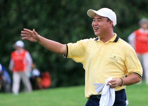 中巡赛厦门站第三轮南京站冠军吴康春继续领先