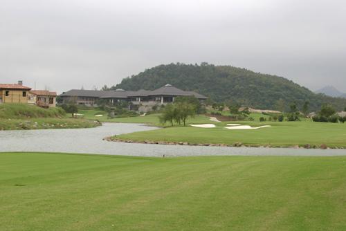 鉴湖高尔夫球会完美诠释高尔夫健康运动的真谛