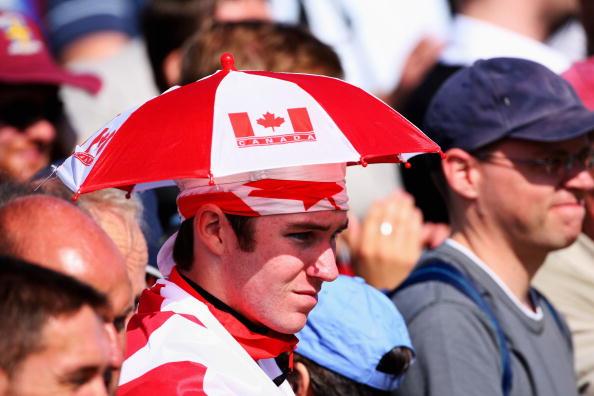 图文-英国公开赛第二轮球迷花絮加拿大球迷观战