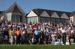 图文-第89届美国PGA锦标赛开杆球迷观看伍兹开球