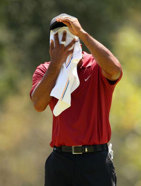 图文-美国PGA锦标赛决赛轮伍兹面对高温酷暑
