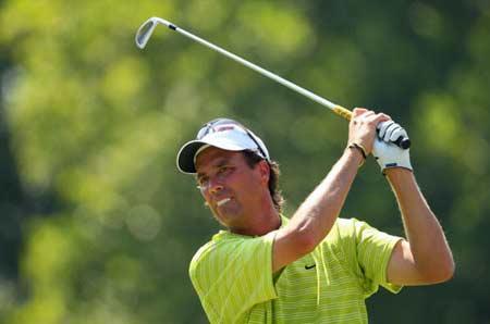 图文-PGA锦标赛决赛轮开杆加拿大亚梅斯铁杆击球
