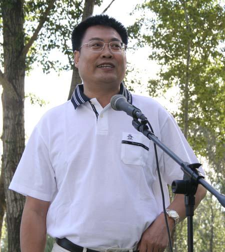 图文-精品名人赛开球仪式精品常务副总编王明亮
