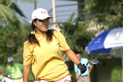 图文-中南分区赛女子组第一轮烟台高尔夫姜秋双