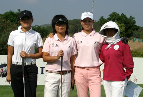 图文-中南分区赛女子组第一轮第四组合影