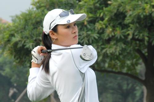 图文-中南分区赛第二轮女子组春城湖畔陈彩凤