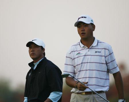 图文-欧米茄锦标赛第三轮张连伟与李超