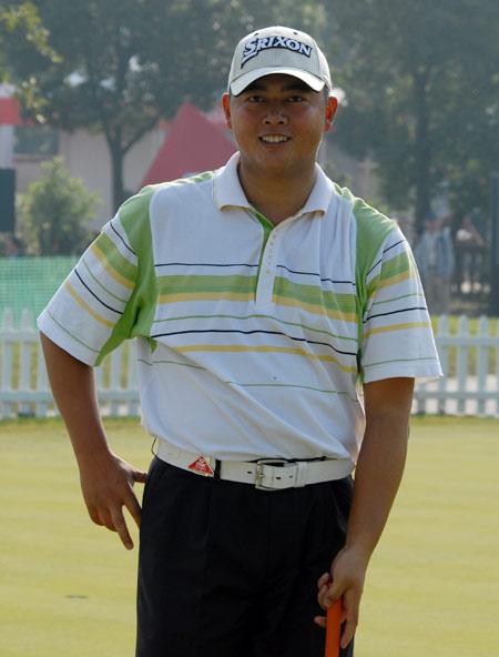 汇丰冠军赛中国选手表现黄明杰赛前热身