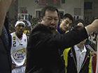 视频-主帅与郭艾伦起争执 爆骂:你**个腿 下去!