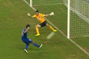 视频-卡希尔争顶头球中柱 吕征再补射憾中边网