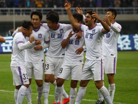 周海滨梅开二度 京津德比泰达4-0国