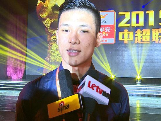 王军辉:希望更好融入球队 国家队顺利