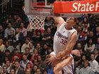 视频-NBA十大迎面隔扣之7 神兽骑扣2米16大中锋