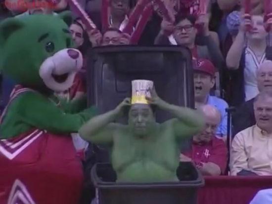 火箭熊恶搞干扰罚篮