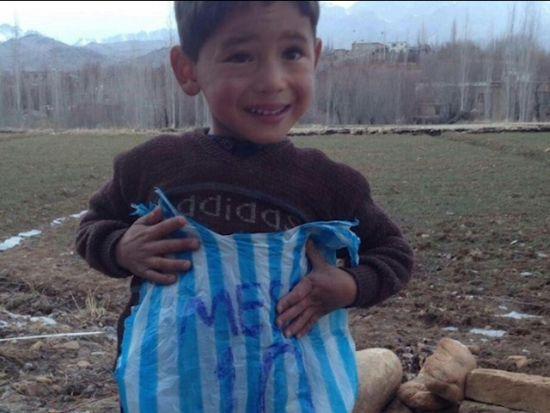 视频-终于找到那个感动世界的男孩! 爱足球爱梅西