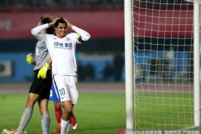 申花:莫雷诺伤情不严重 周末联赛无碍出战