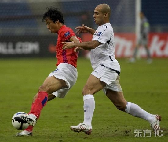 图文-[亚洲杯]伊拉克VS韩国红魔背身技术一流