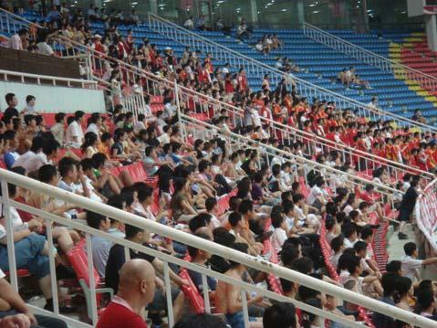 图文-长沙金德0-0厦门蓝狮闷热天气难阻球迷热情