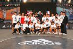 图文-NBA巨星上海传授篮球技艺球星球迷亲密接触